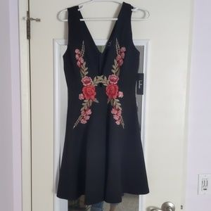 🌹Lulu's🌹Little Black Dress With Roses